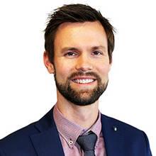 Éric McKinnon, Directeur du service