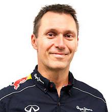 Michel Shaw, Directeur du service et de la carrosserie