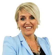 Patricia Deslandes, Directrice du service à la clientèle